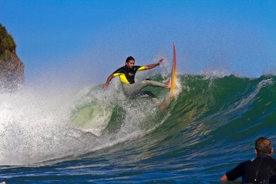 IMG_2176_2012_0227_indicators_raglan_surf_photo